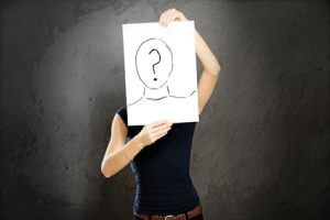 Frau anonymisiert
