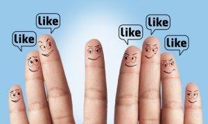 Finger im Facebook-style