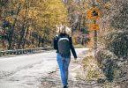 Berufliche Ziele verfolgen: Wanderin