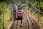 S-Bahn der Deutschen Bahn auf Gleis