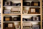 Regal voller alter Radios - Oldies but Goldies