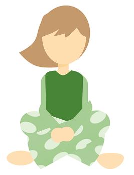 Frau in Pyjama / Jogginghose