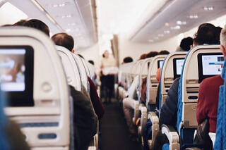 Stewardess - Flugzeuggang