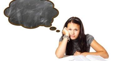 Boreout Mädchen Langeweile